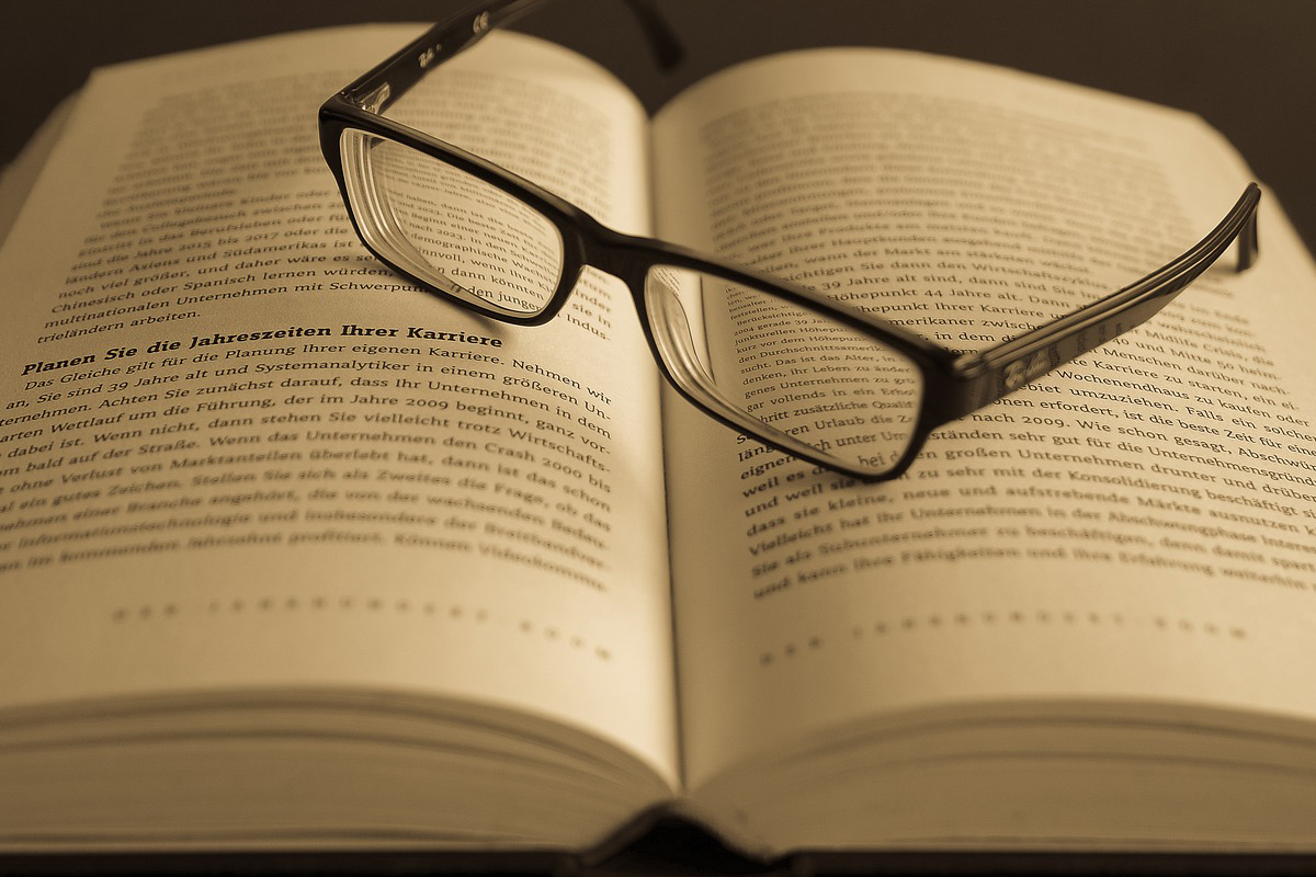 Five New Ways To Read More Books – Neon Books